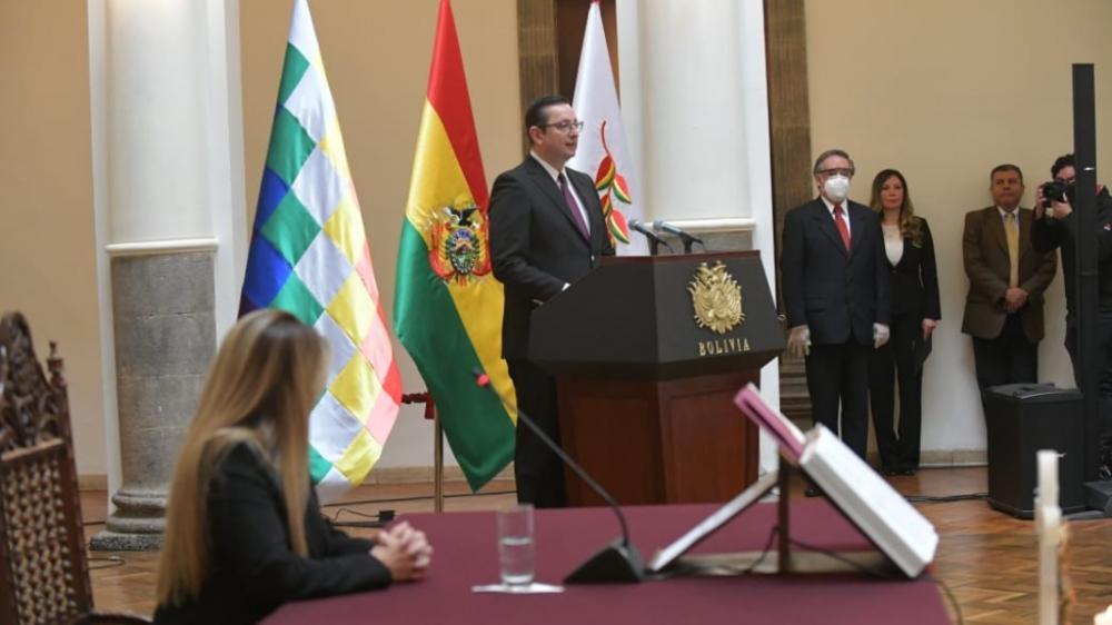 Presidenta posesiona a Óscar Ortiz y Fernando Vásquez como nuevos ...